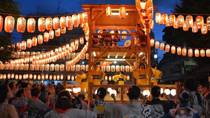 日本の文化『盆踊り』は先祖の霊を慰める踊り