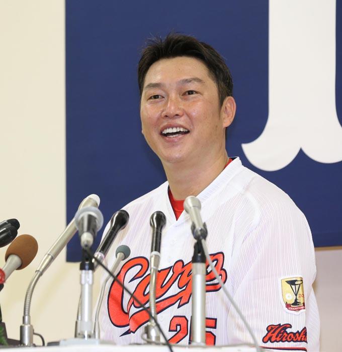 プロ野球 広島 引退 表明 広島 カープ 新井貴浩 マツダスタジアム 新井