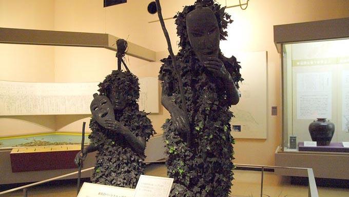 「なまはげより怖い」という声も 沖縄の奇祭「パーントゥ」
