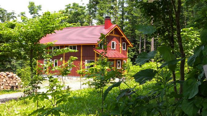 羊蹄山に住み込みで宿泊施設『蝦夷富士小屋』を営む家族