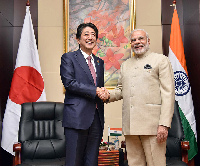 AIIB ADB アジア開発銀行 アジアインフラ投資銀行 モディ首相 安倍 インド 中国