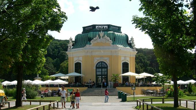 世界最古の動物園「シェーンブルン動物園」は宮殿内にある