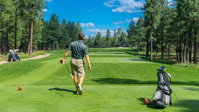 ゴルフの保険には「ホールインワン保険」がある