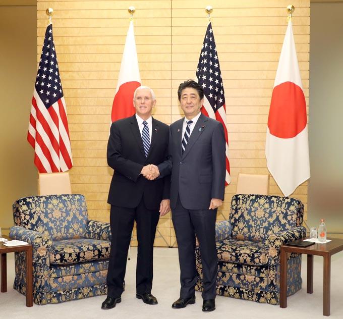 一帯一路 マイク・ペンス ペンス副大統領 安倍 日米 貿易 中国 ASEAN 首脳会議