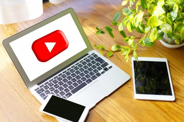 """動画1本の製作時間は12時間! 人気YouTuberの""""孤独な作業"""""""