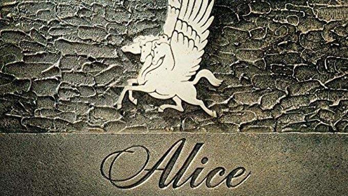 40年前の今日11月27日、アリス『栄光への脱出~アリス武道館ライヴ』がオリコン・アルバム・チャートの1位を獲得