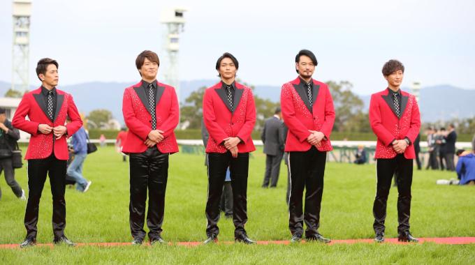 ムード歌謡グループ「純烈」結成のきっかけは、前川清と大ウソ!