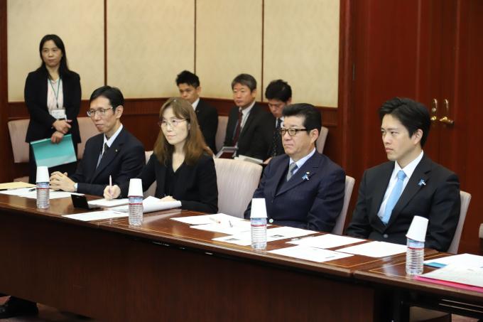 大阪府知事・大阪市長、4月の地方選挙を睨んで辞任へ