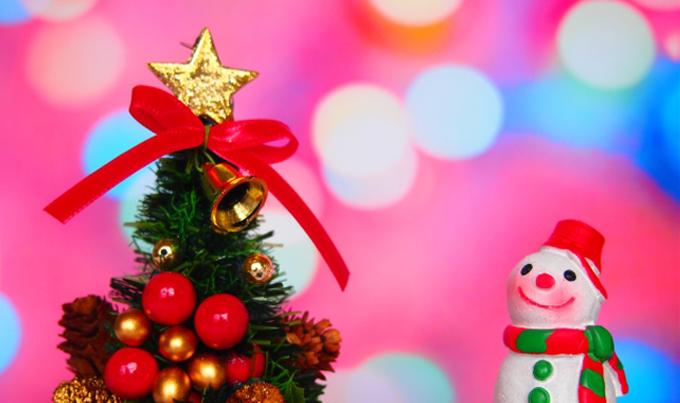 クリスマスツリー頂上の「星」は何のために飾るの?