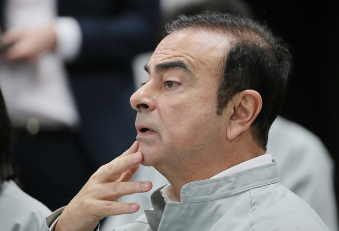 カルロス・ゴーン 再逮捕 日産 会長 役員報酬 40億 フランス ルノー ゴーン