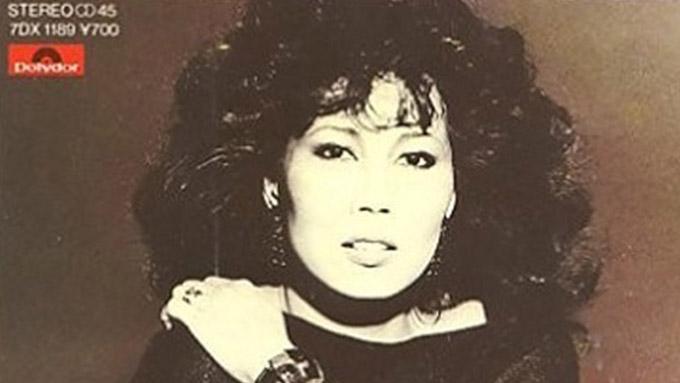 1983年12月19日欧陽菲菲「ラヴ・イズ・オーヴァー」がオリコンチャート1位を獲得~発売当初はB面だった!