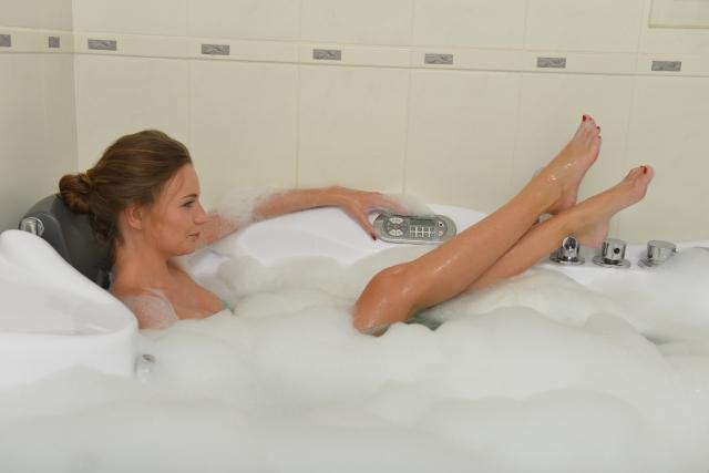 医師がアドバイス 入浴は朝晩のどちらが健康に良いの?