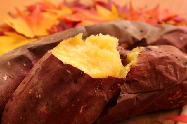 キャンプで感動! 自然の火で作る焼き芋の美味しさ