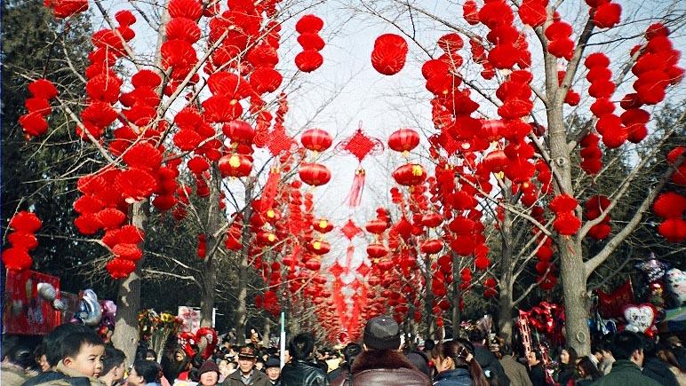 雪まつりに中国人観光客が集中~札幌で行われていること