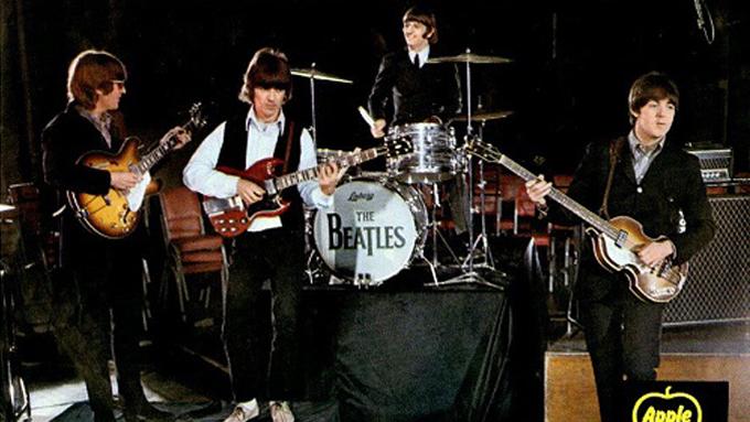 1967年3月11日、米TV番組『アメリカン・バンドスタンド』でザ・ビートルズ「ストロベリー・フィールズ・フォーエバー」「ペニー・レイン」のミュージック・ビデオが初めて放映される