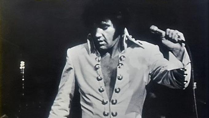 1971年3月29日、エルヴィス・プレスリーのアルバム『この胸のときめきを』がオリコン1位を記録