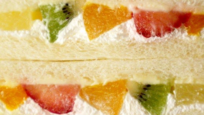 定番の「フルーツサンド」は日本が発祥だった!