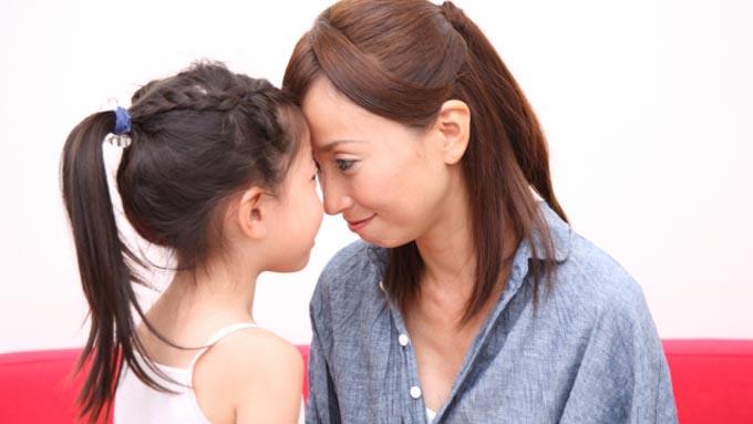 母と娘の心理関係~娘の人生に介入しがちな母親の心理とは?
