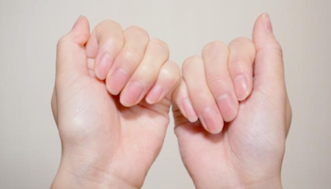 爪の根元にある白い部分が大きいほうが健康なの? 医師が回答