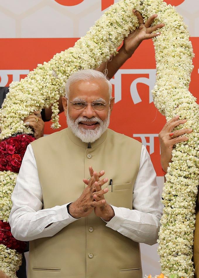 続投が確実となったインド・モディ首相とは