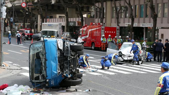 高齢者運転事故対策 自動車の急発進防止装置に注目