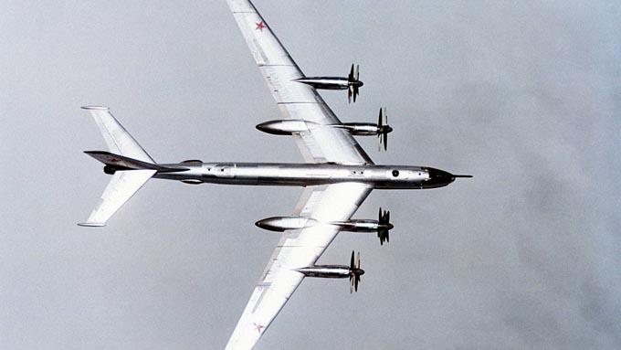 ロシアの爆撃機が領空侵犯~デモンストレーションのようなもの