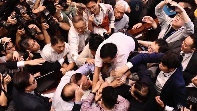 香港デモ~日本のメディアは大きく報道すべき