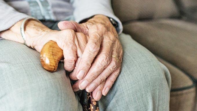 東京に偏った高齢者対策の問題点