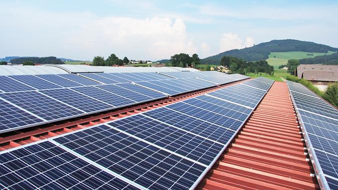 辛坊治郎「再生可能エネルギーの固定価格買取制度の価格推移とその理由」