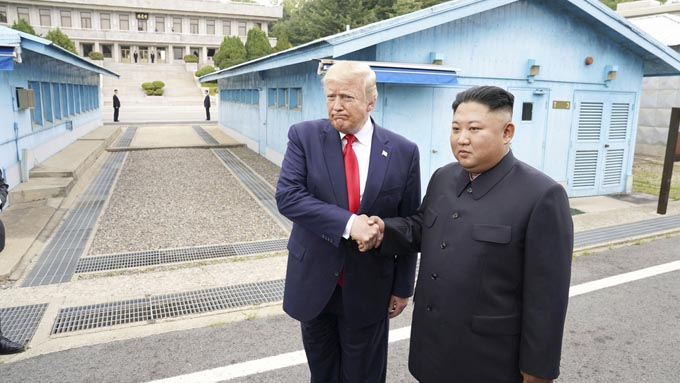 トランプ大統領が北朝鮮に越境~世界に放った2つのメッセージ