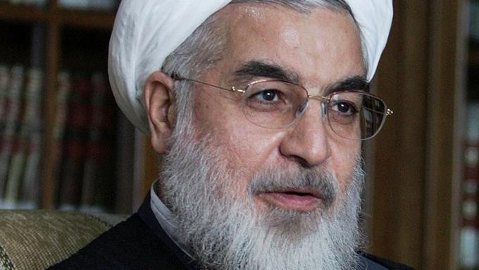ツイッターでイランに報復示唆するトランプ氏の思惑