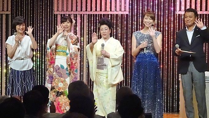オペラ歌手の翠千賀、ダンベルを持って歌の練習!?