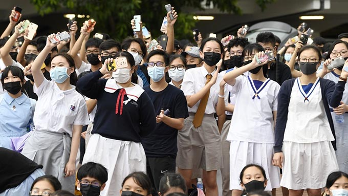 香港で中高生が授業ボイコット~国際社会と連携していかに活動を続けて行くか