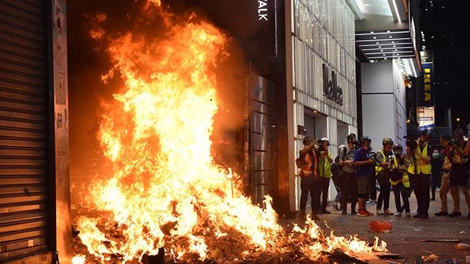 香港政府が発動した「緊急状況規則条例」が香港経済をさらに悪化させるきっかけに