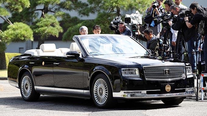 即位祝賀パレード延期へ~安倍総理、菅官房長官も悩んだ結論