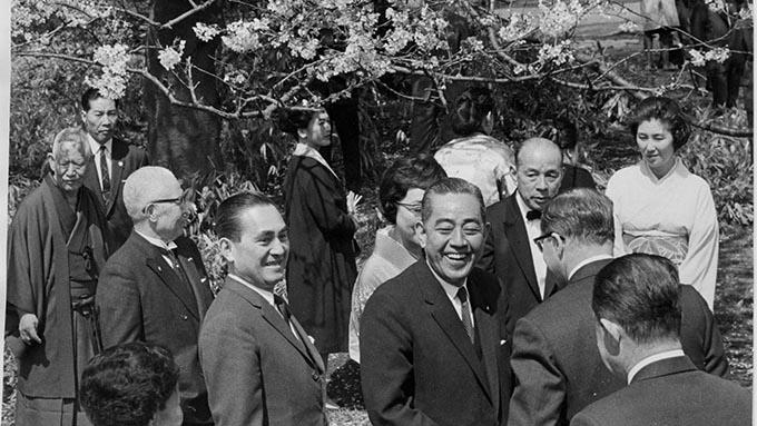 「桜を見る会」招待者の選出不透明~国会の焦点となるような議題か