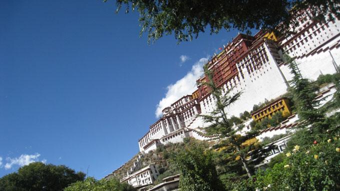 草野満代もビックリ! チベットで出会った「恐怖のトイレ」とは?
