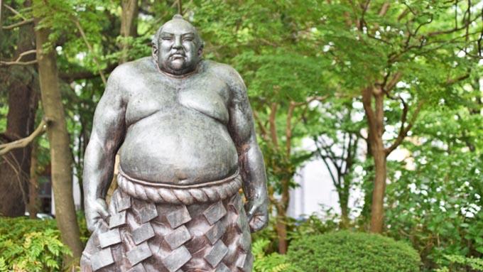 相撲の「東」と「西」の力士では何が変わるの?