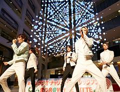 愛の泉@WHITE KITTE ライブステージ 最後のトリはプラチナ・ボーイズ!